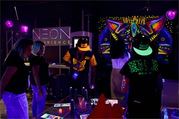 Experiencias neon BTL